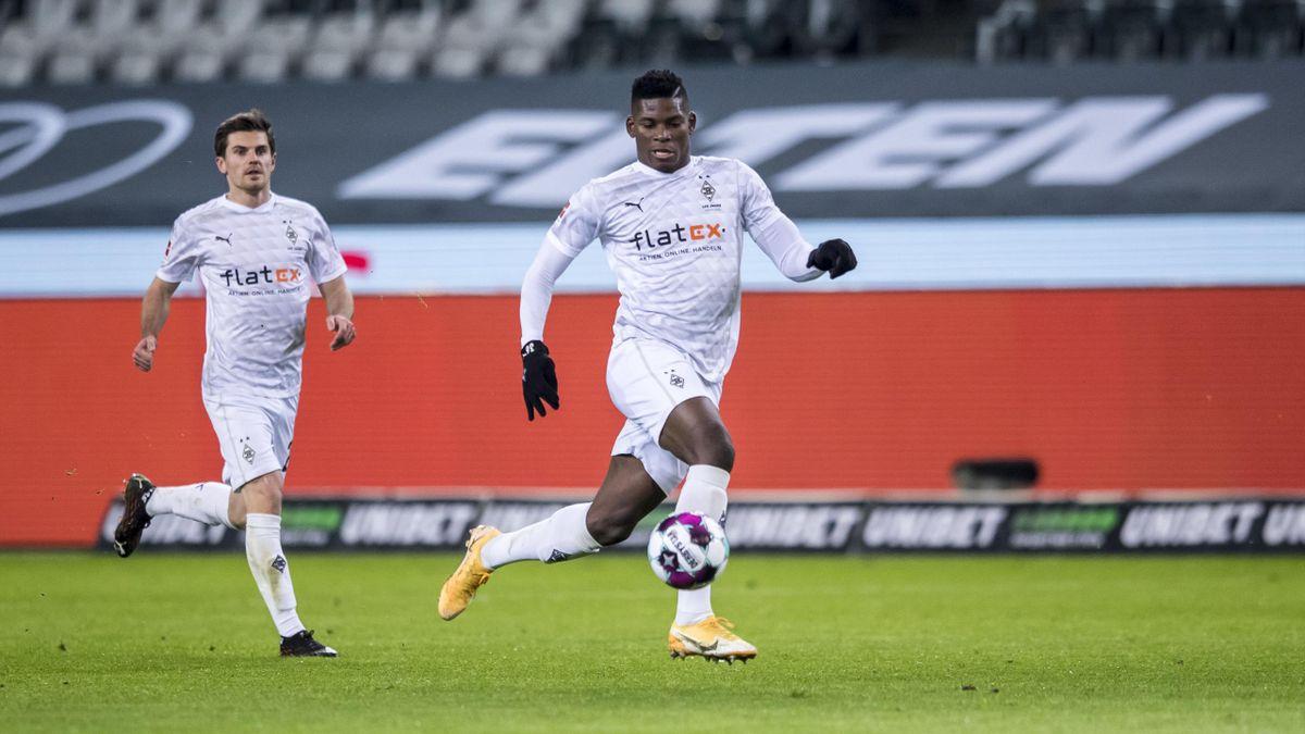 Steht nicht im Kader für das Heimspiel gegen Werder Bremen: Gladbachs Breel Embolo (rechts)