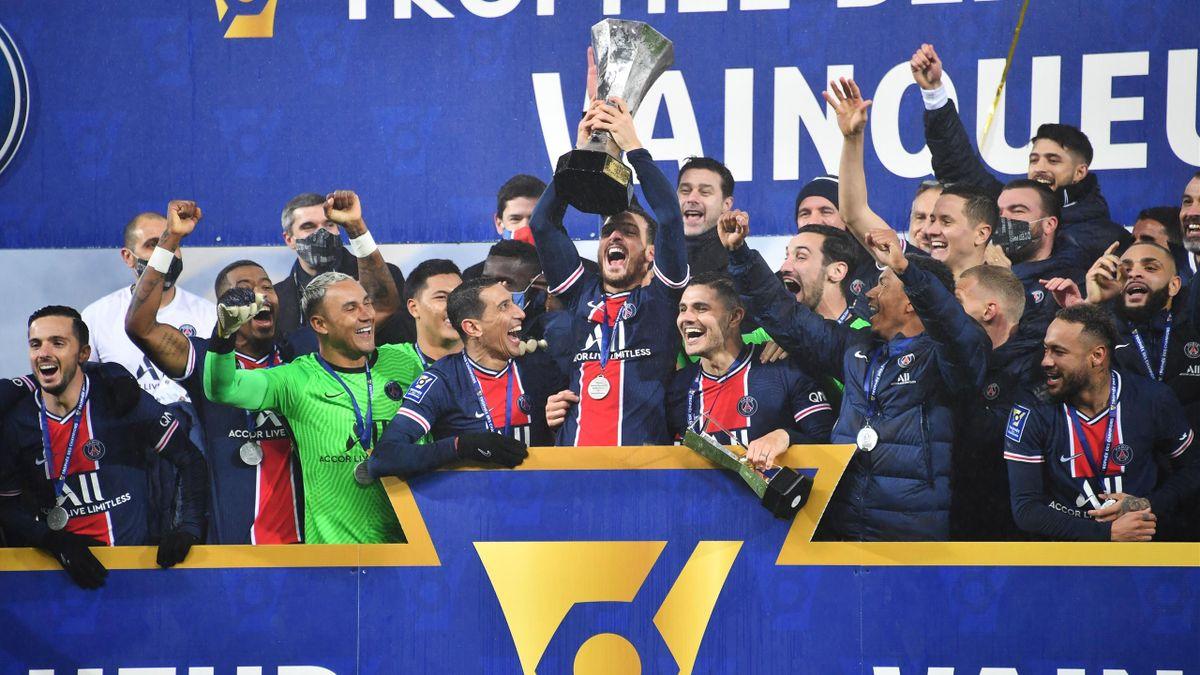 La joie des joueurs du PSG après la victoire face à l'OM dans le Trophée des champions
