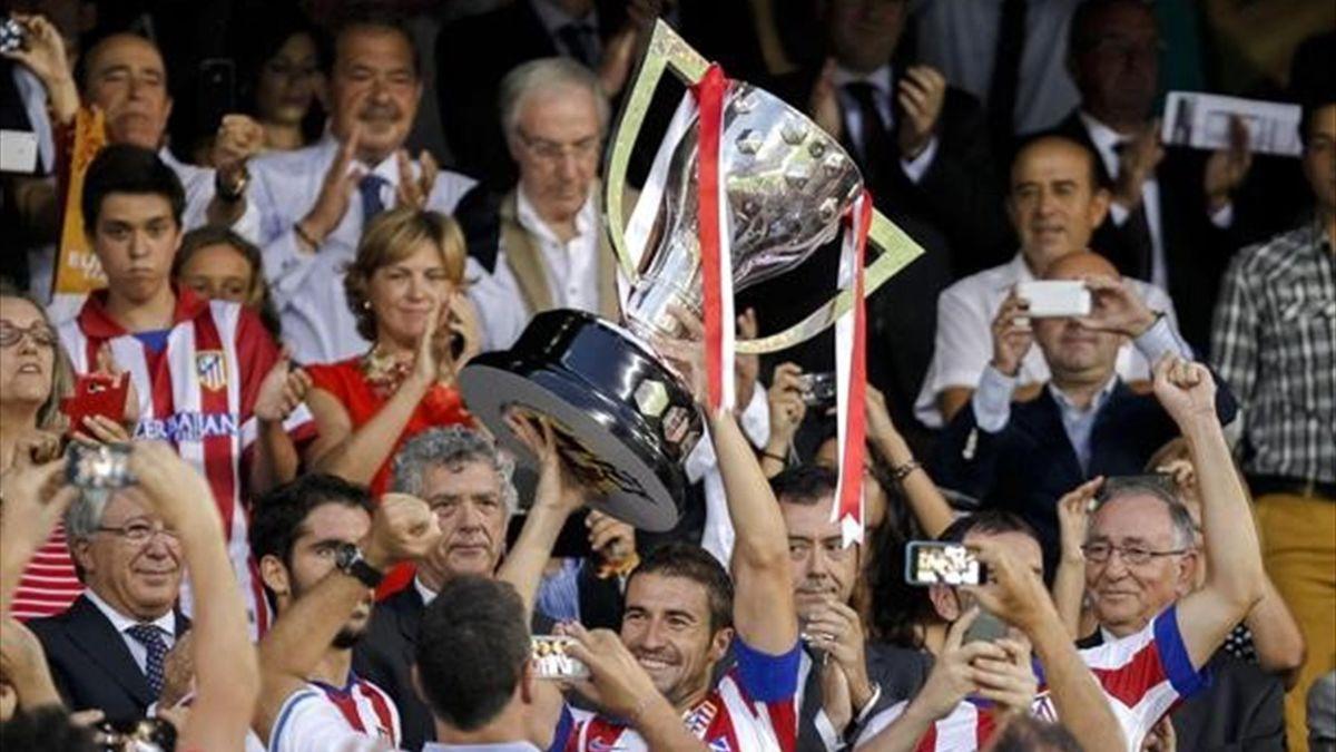 Liga, trofeo