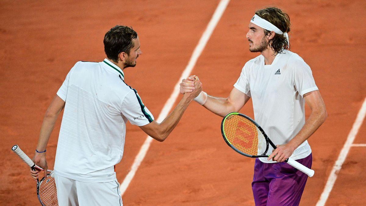 Daniil Medvedev és Stefanos Tsitsipas az idei Roland Garroson