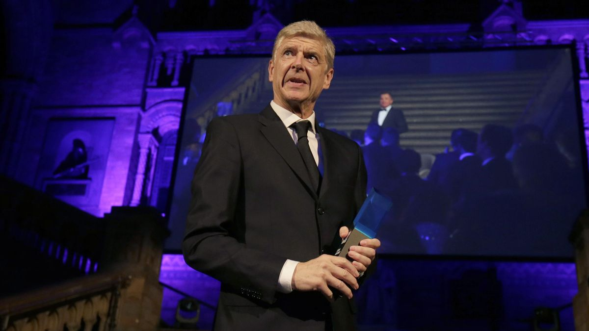 ormer Arsenal Manager, Arsene Wenger receives the Lifetime Achievement Award during the Leaders Sport Awards