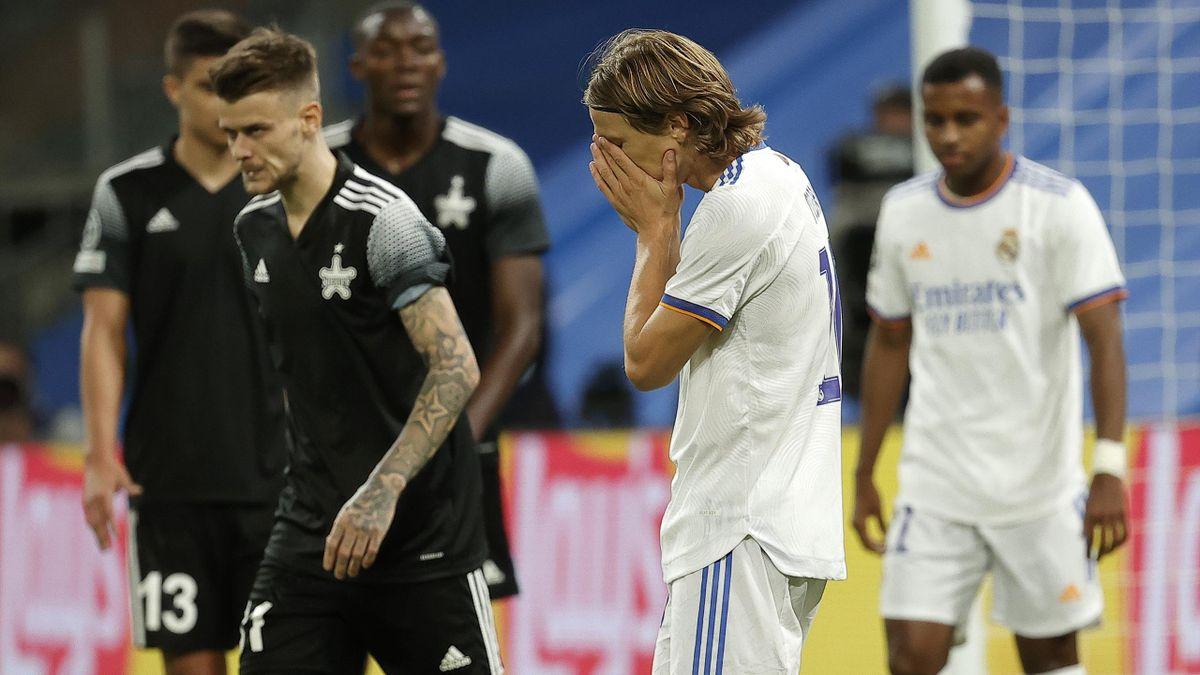 Luka Modric (Mitte) wirkt im Spiel gegen Sheriff Tiraspol verzweifelt