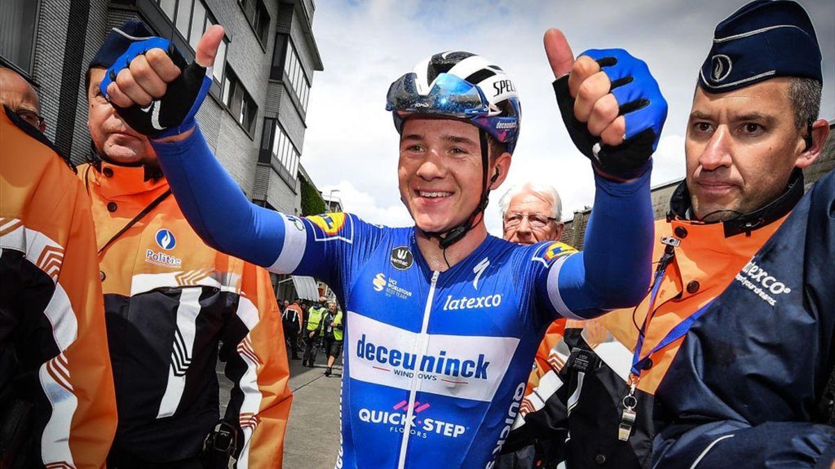 Remco Evenepoel esulta per la vittoria di una tappa al Tour of Belgium 2019 - Getty Images