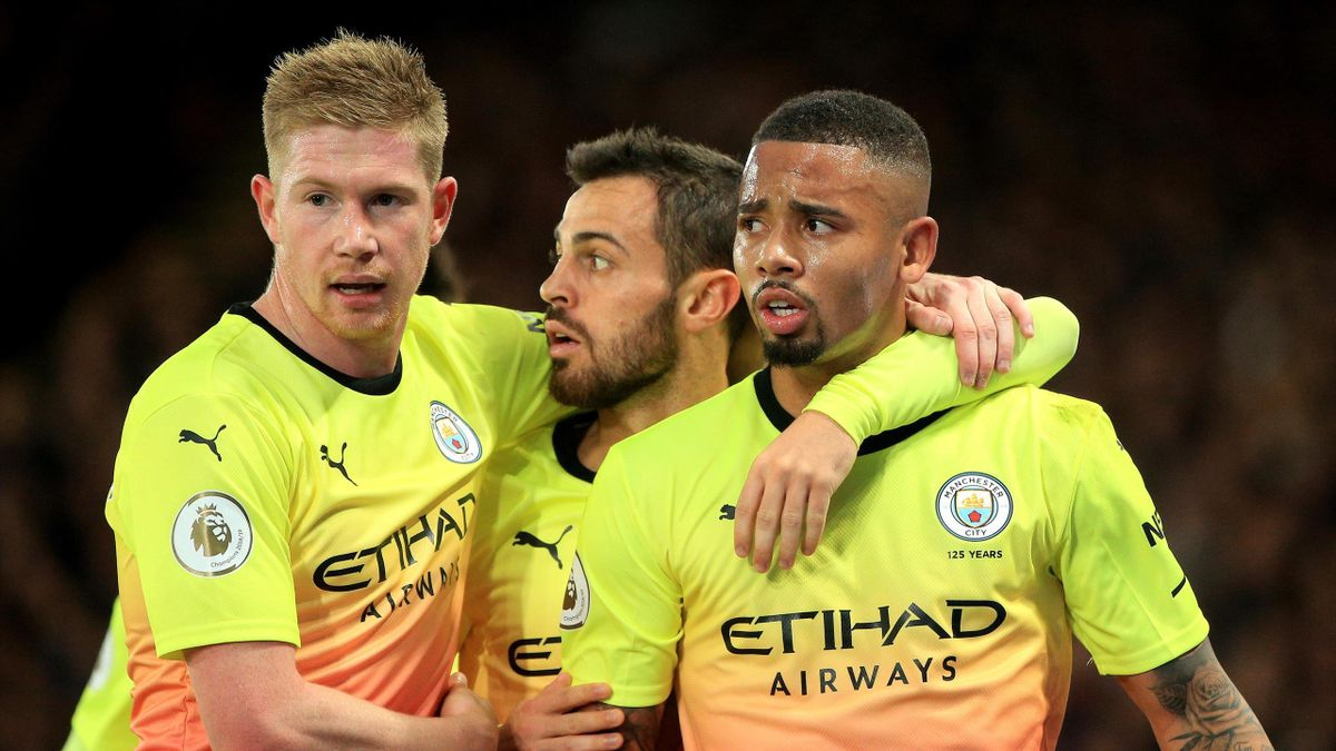 Gabriel Jesus of Manchester City celebrates with teammates after scoring his team's first goal during the Premier League match between Crystal Palace and Manchester City