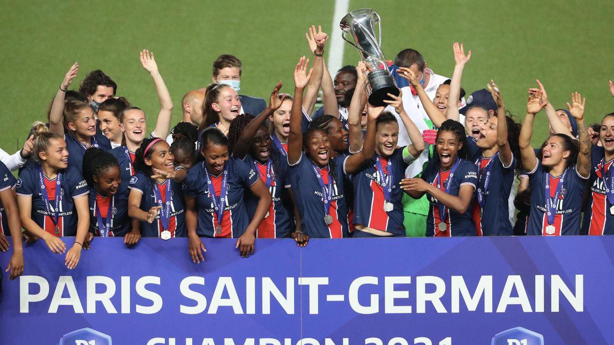 Le Paris Saint Germain féminin a décroché son premier titre de champion de France après sa victoire face à Dijon (3-0)