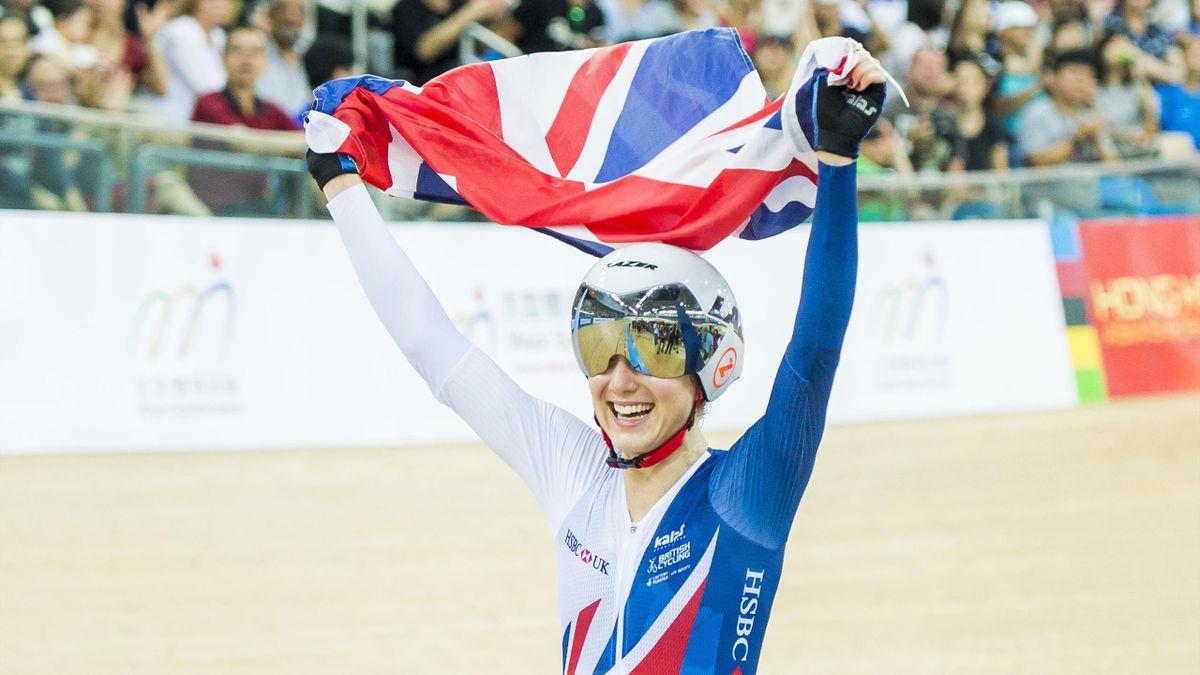 Elinor Barker celebrates points race gold