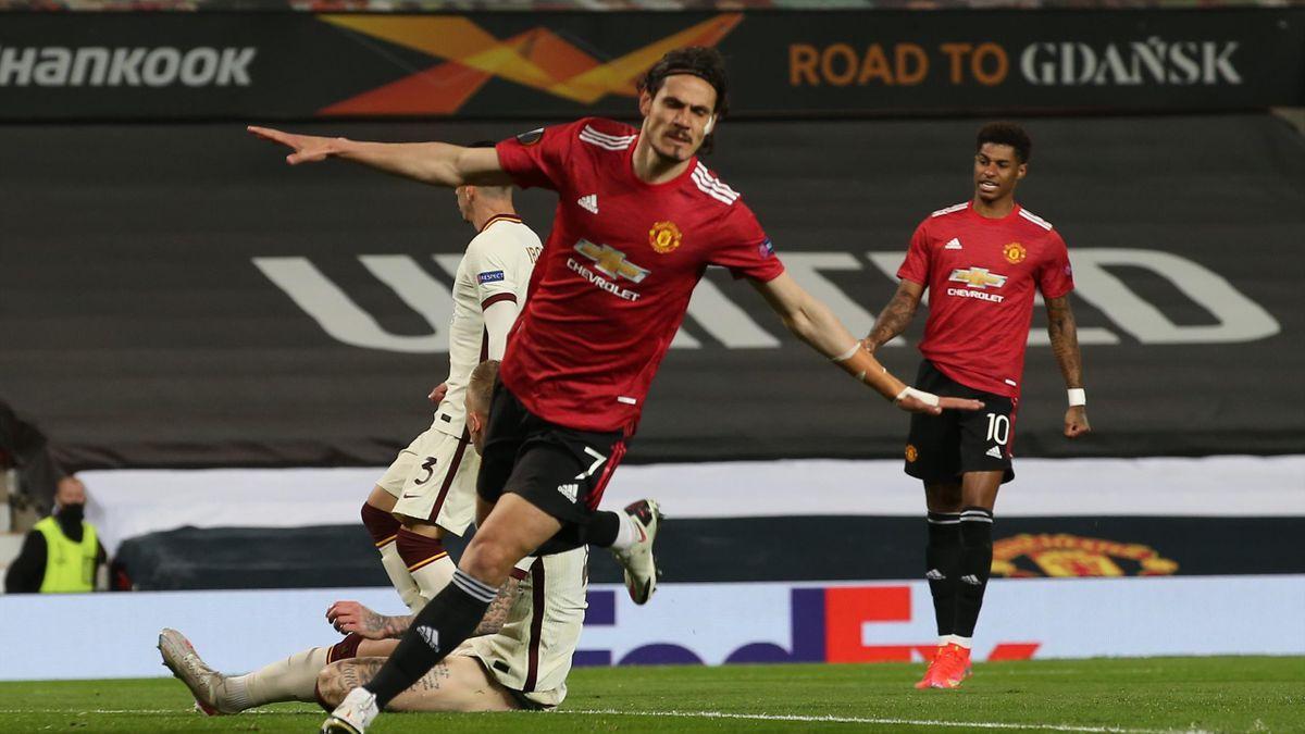 Edinson Cavani of Manchester United celebrates