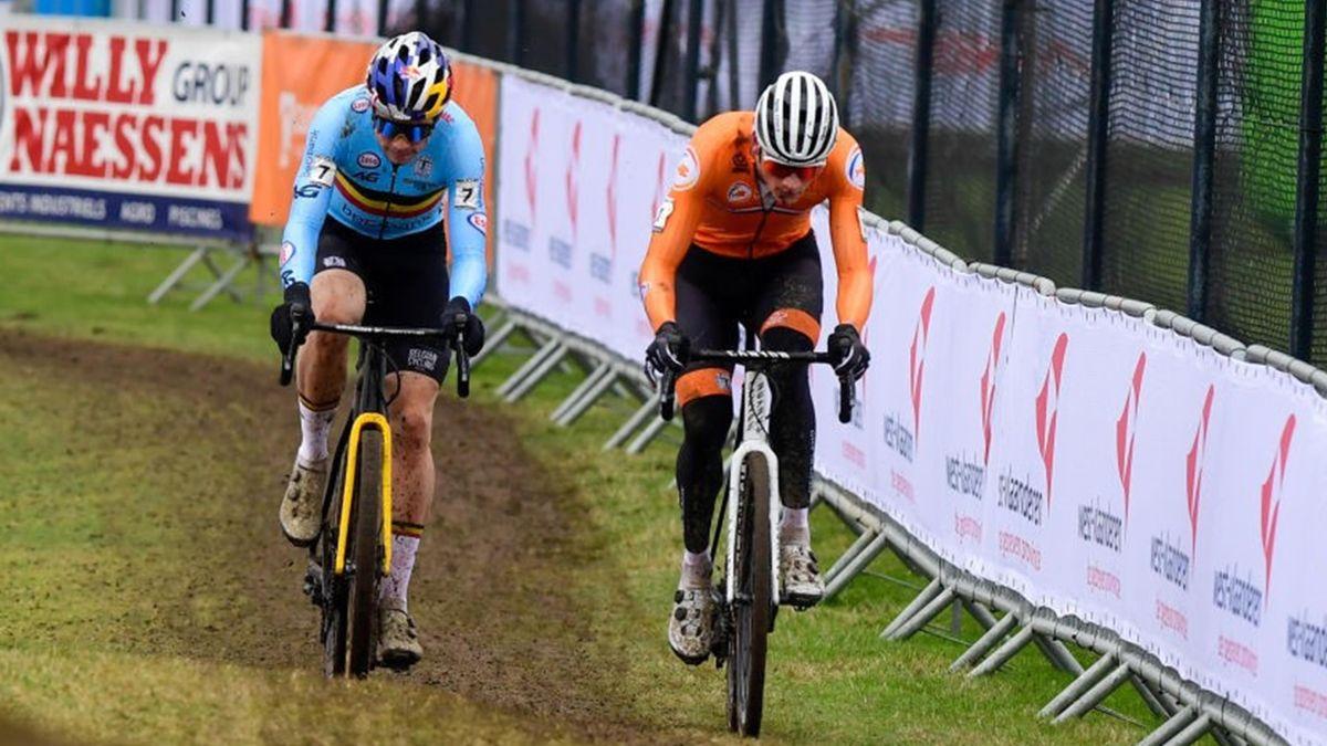 Wout van Aert et Mathieu van der Poel lors des Mondiaux de cyclo-cross à Ostende le 31 janvier 2021