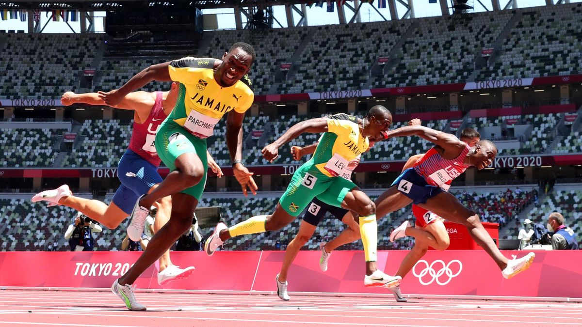 Финиш забега на 110 метров с барьерами