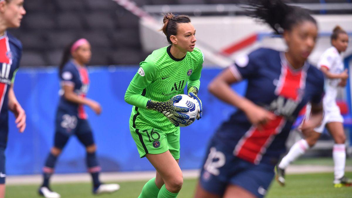 Christiane Endler lors du match opposant Lyon au PSG, en quart de finale de Ligue des champions, le 18 avril 2021
