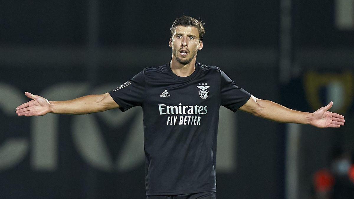 Ruben Dias of SL Benfica reacts