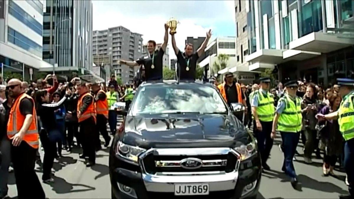 Die All Blacks lassen sich in ihrer Heimat feiern