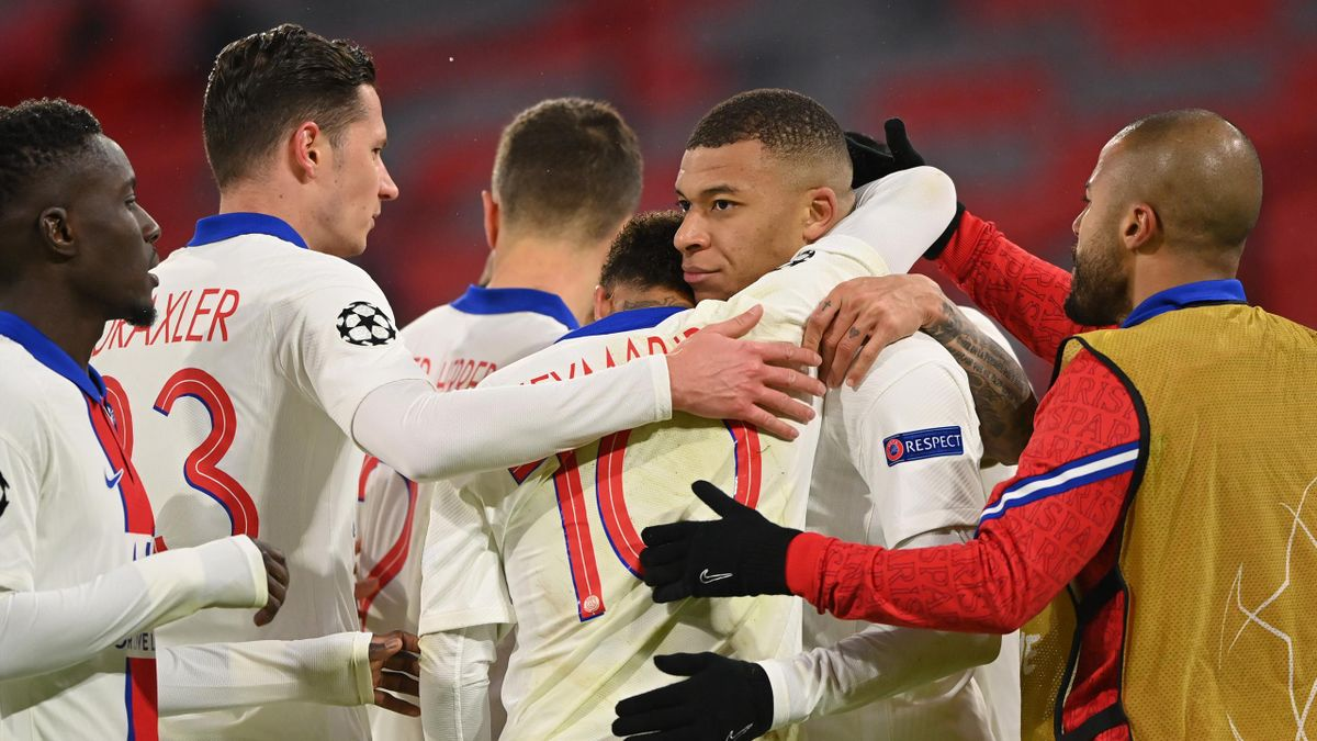 Kylian Mbappé und PSG jubeln gegen den FC Bayern