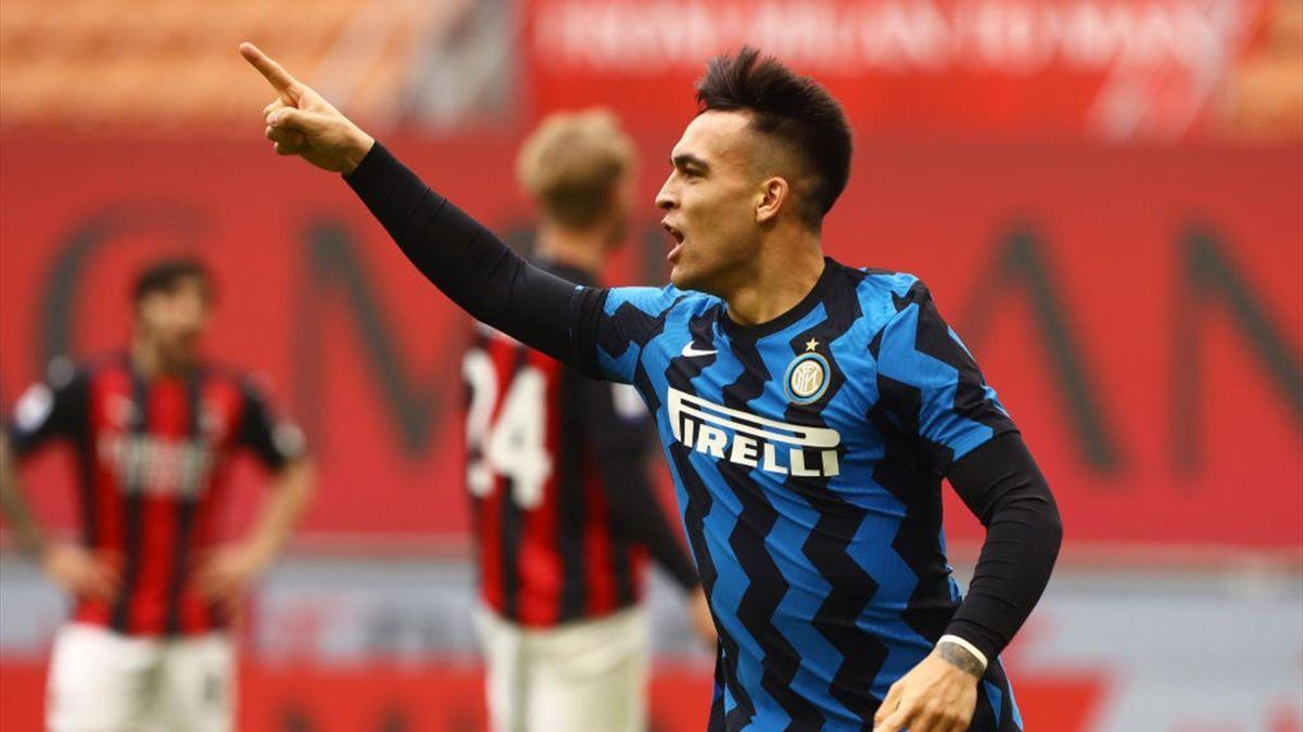 Lautaro Martínez (Inter Mailand) bejubelt seinen Treffer gegen den AC Milan