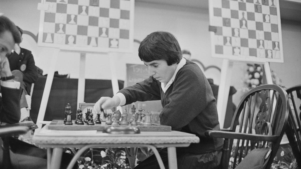 Нона Гаприндашвили во время шахматного конгресса в Лондоне, 1964 год
