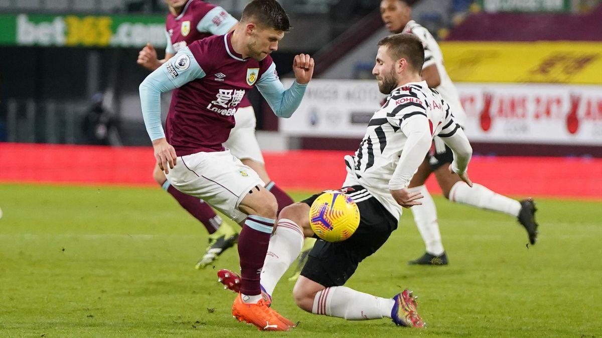 Люк Шоу грубо нарушает правила в матче «Бёрнли» – «Манчестер Юнайтед»