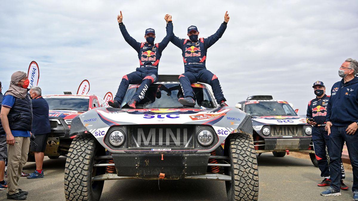 Sieger der 43. Rallye Dakar: Stéphane Peterhansel (rechts) mit Co-Pilot Edouard Boulanger