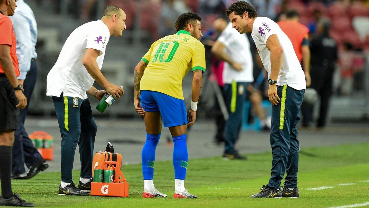 Neymar, touché face au Nigéria