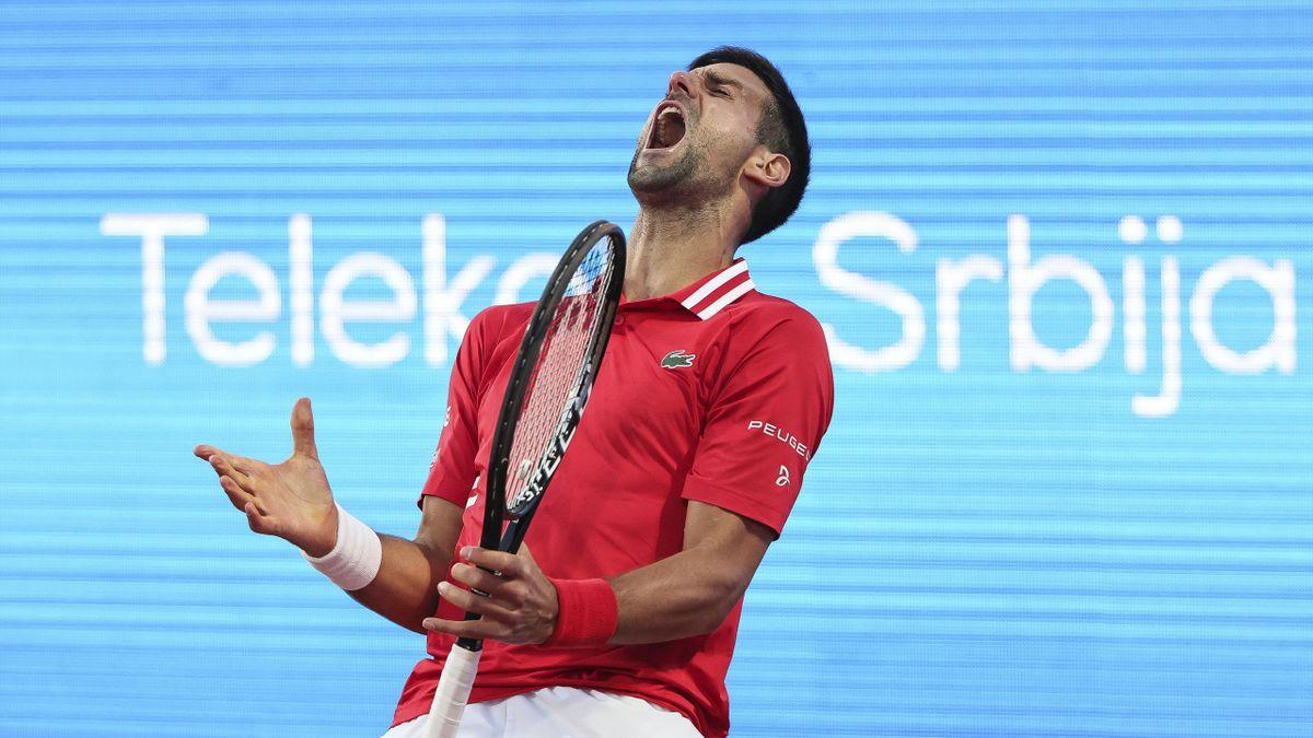 Novak Djokovic lors de son match face à Aslan Karatsev lors du tournoi ATP de Belgrade