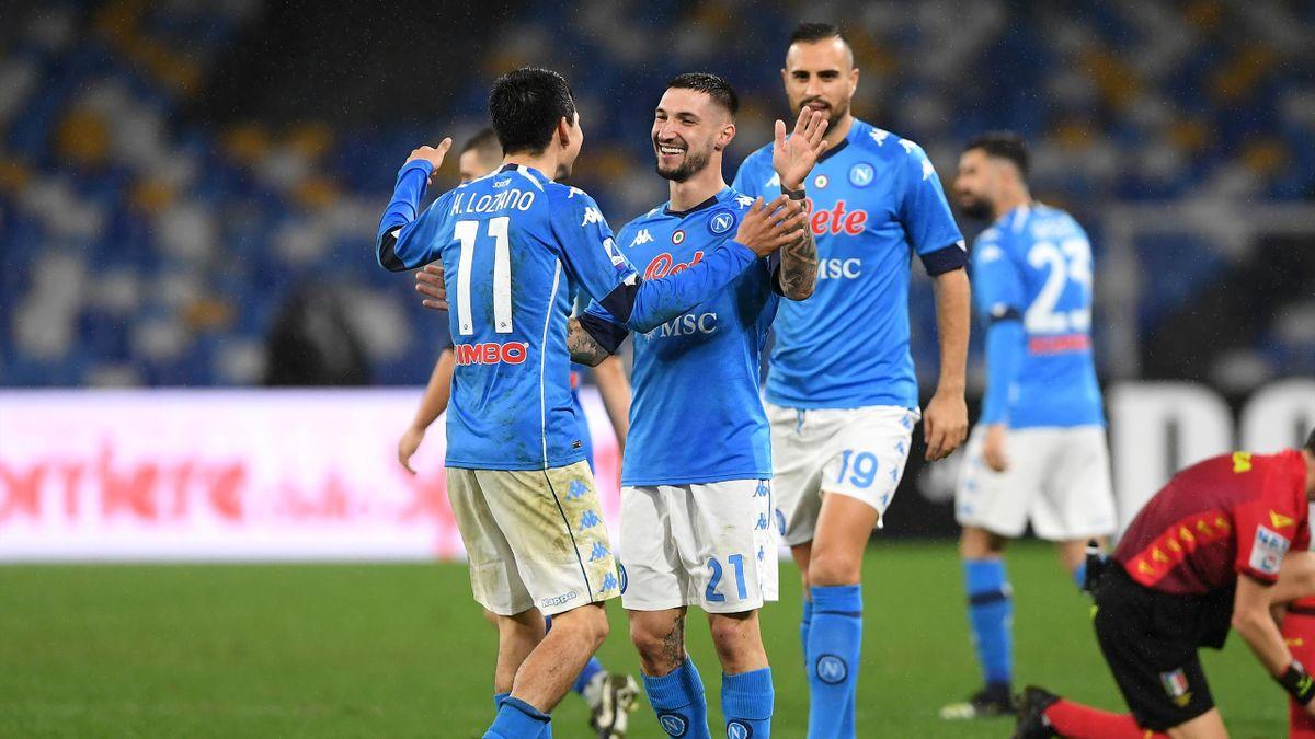 Matteo Politano festeggia con Hirving Lozano, Napoli-Parma, Serie A 2020-21, Getty Images