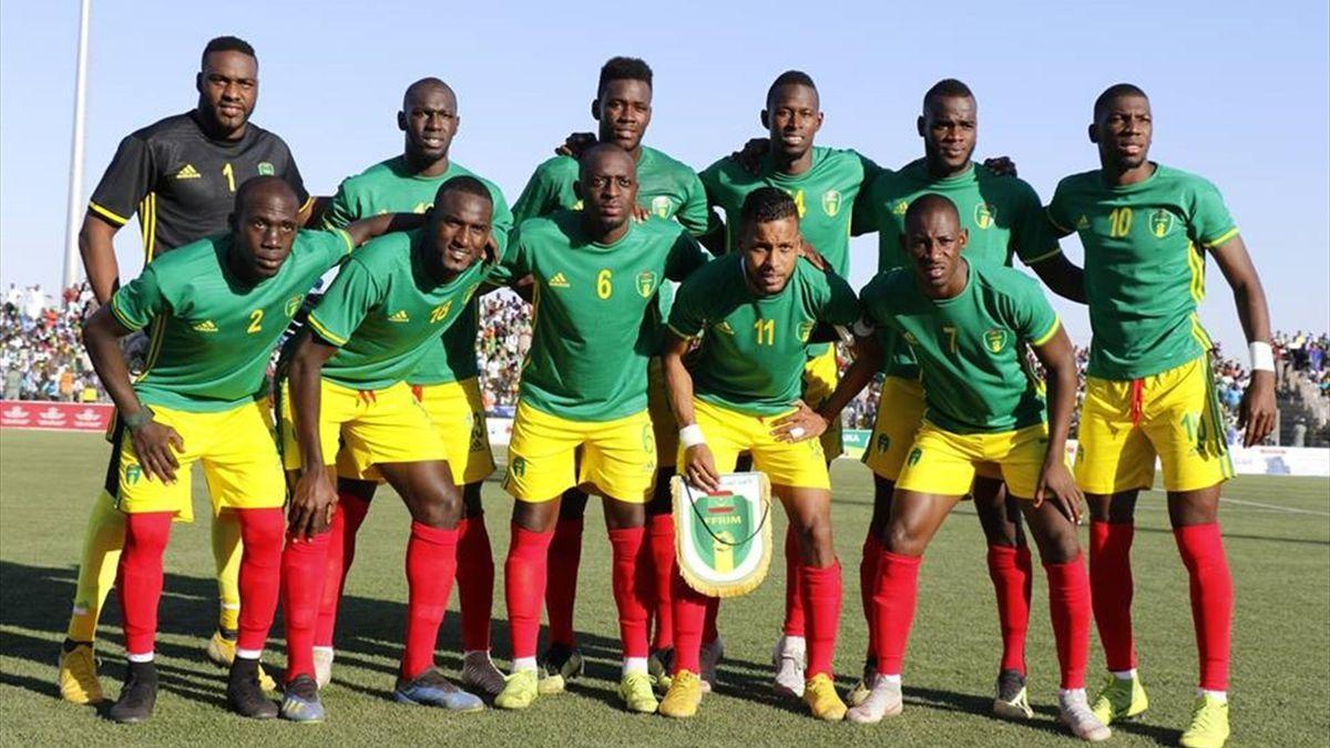 La formazione della Mauritania che ha sconfitto 2-1 il Botswana. In piedi da sinistra: Soulaymane Diallo, Sally Sarr, Bakary N'Diaye, Yali Dellahi, Aly Abeid, Adama Ba. Accosciati: Moustapha Diaw, Hacen, Khassa Camara, Bessam e Ismaël Diakité (facebook)