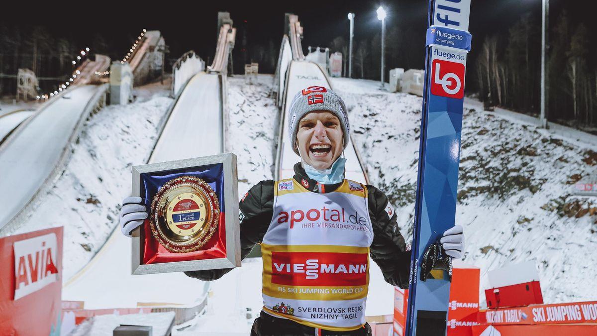 Halvor Egner Granerud a obținut a doua victorie consecutivă în Cupa Mondială de sărituri cu schiurile