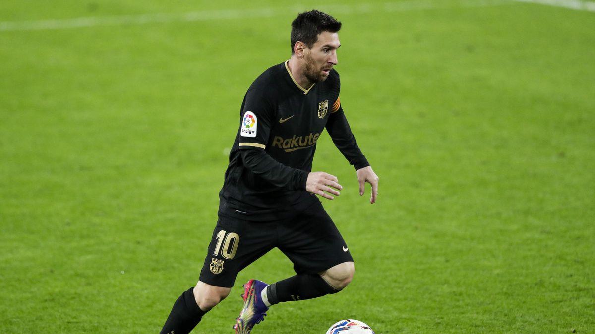 Lionel Messi in azione con la maglia del Barcellona - Stagione 2020-21