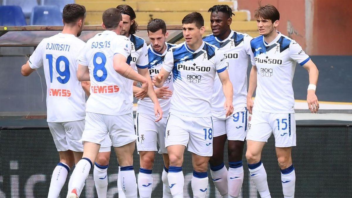 L'esultanza dei giocatori dell'Atalanta - Genoa-Atalanta Serie A 2020-21