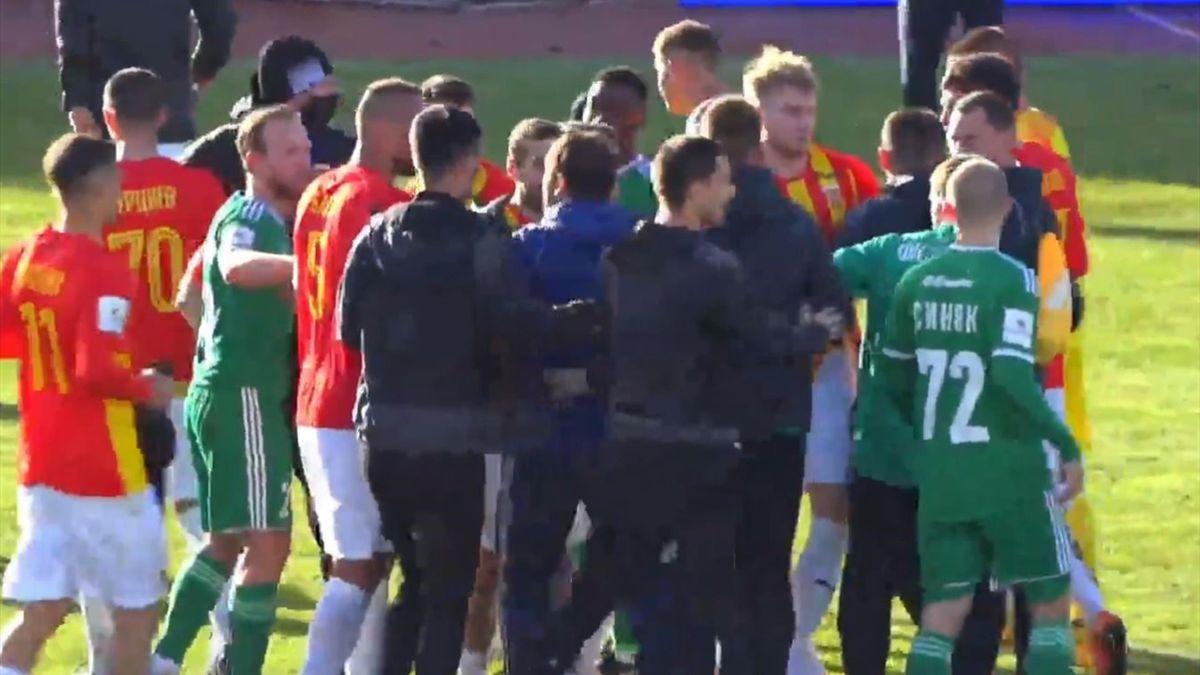 Драка в матче «Алания» – «Томь»