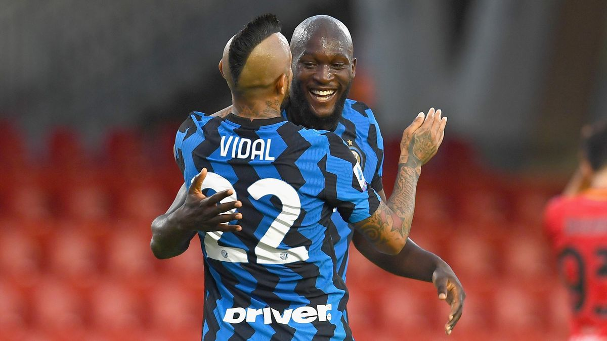 Romelu Lukaku celebrates scoring for Inter Milan against Benevento