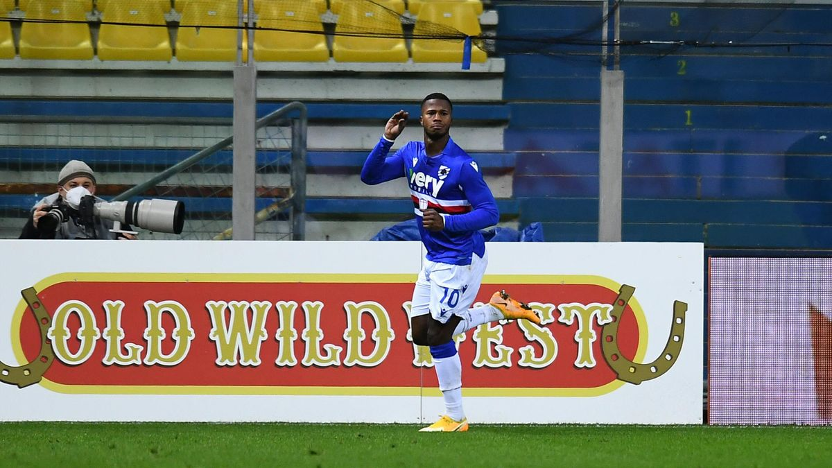 Keita Balde esulta dopo il gol dello 0-2 in Parma-Sampdoria