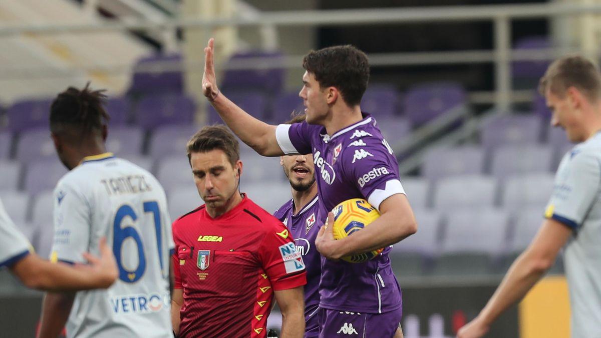 Dusan Vlahovic esulta dopo il gol contro il Verona, Fiorentina-Verona, Getty Images