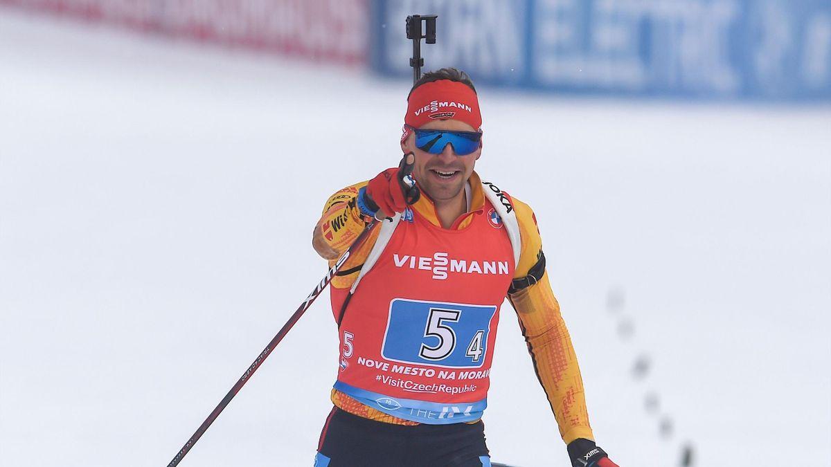 Philipp Nawrath bejubelt den deutschen Staffel-Sieg in Nove Mesto