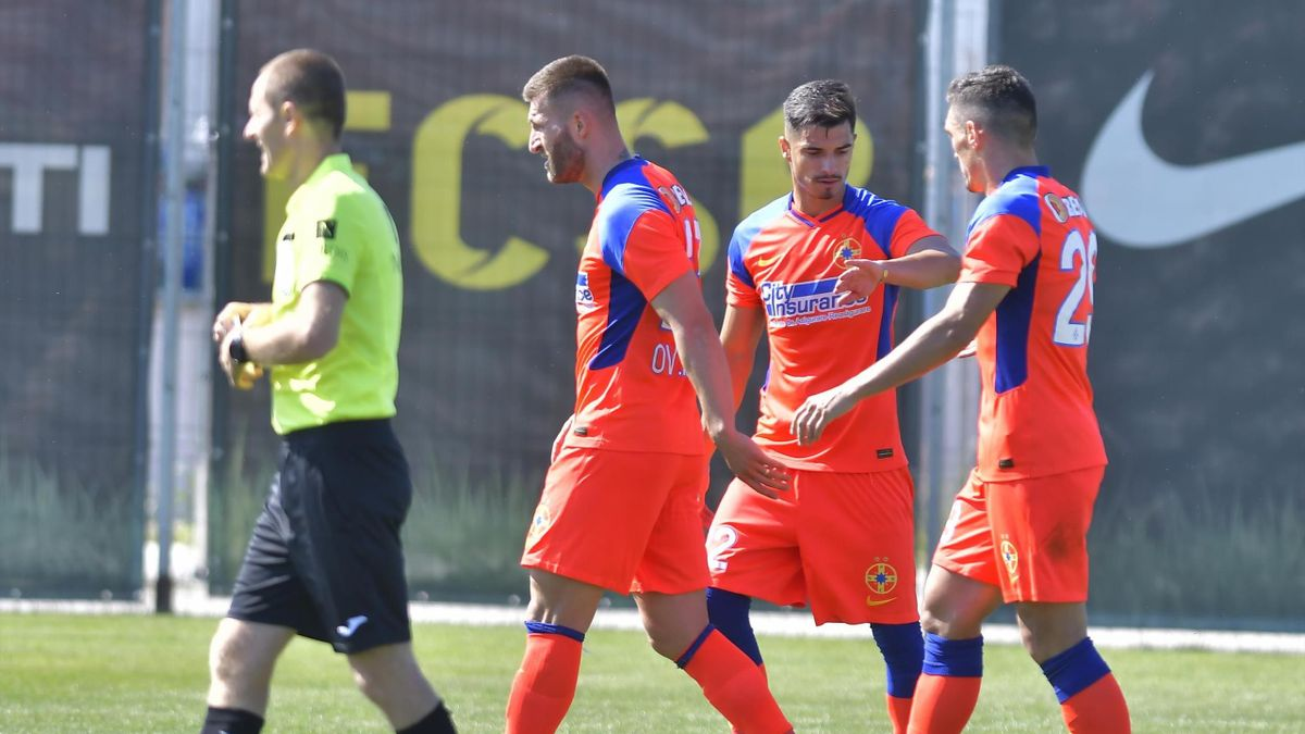Valentin Gheorghe și Claudiu Keșeru la FCSB