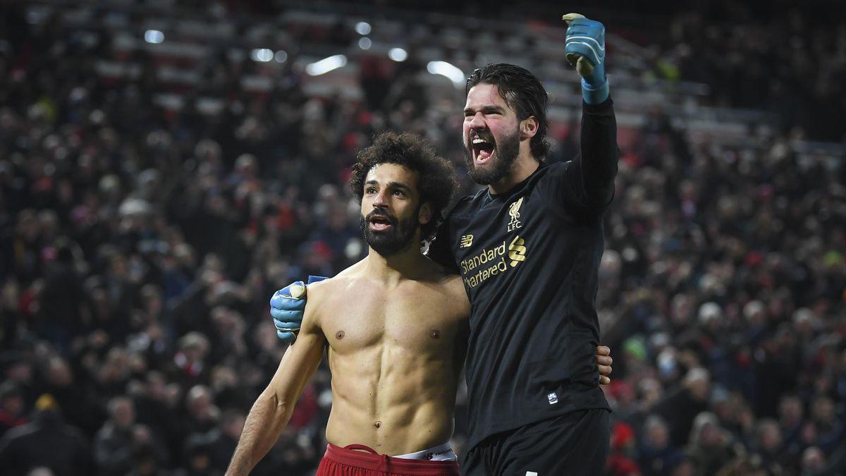 Mohamed Salah (links) und Alisson Becker vom FC Liverpool