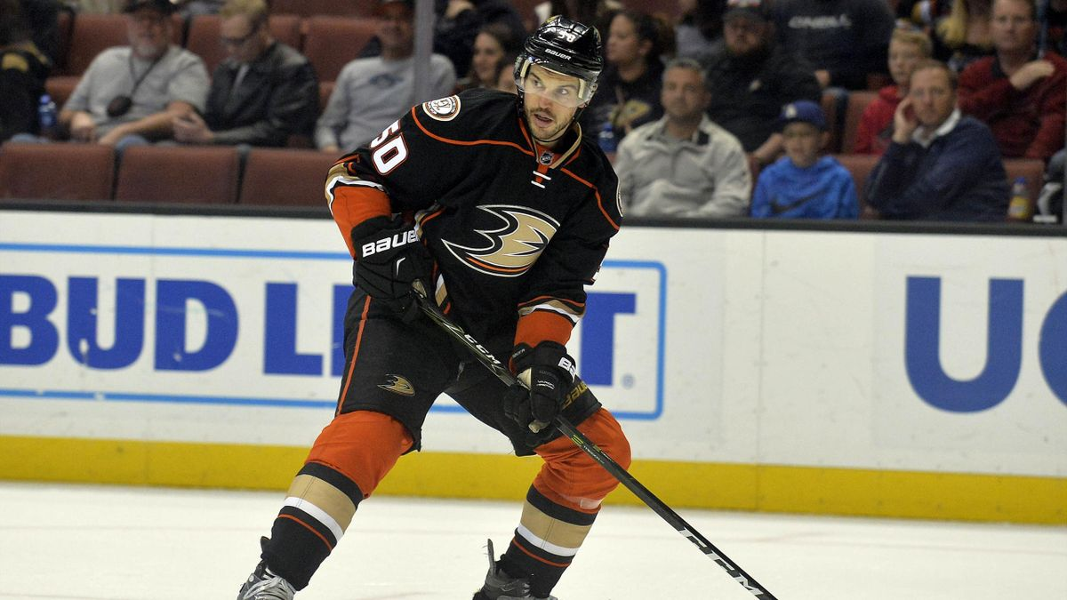 Anaheim Ducks forward Antoine Vermette can expect to face a lengthy ban after he was ejected from Tuesday's game against the Minnesota Wild.