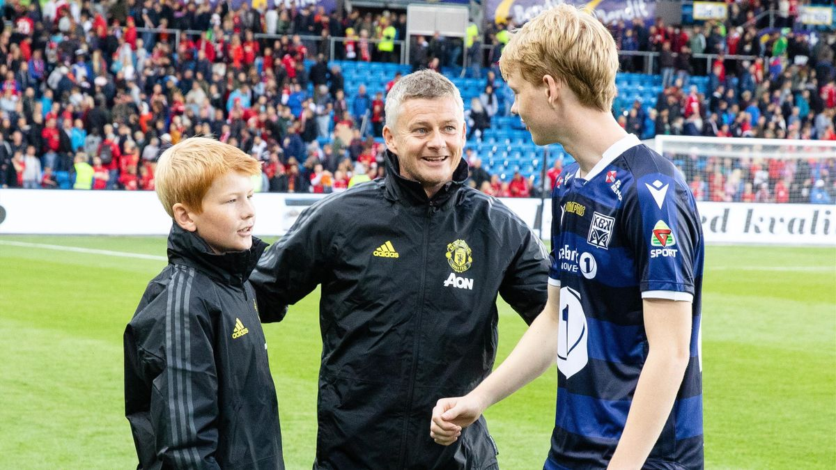 Ole Gunnar Solskjær med sønnene Elijah (t.v.) og Noah (t.h.)