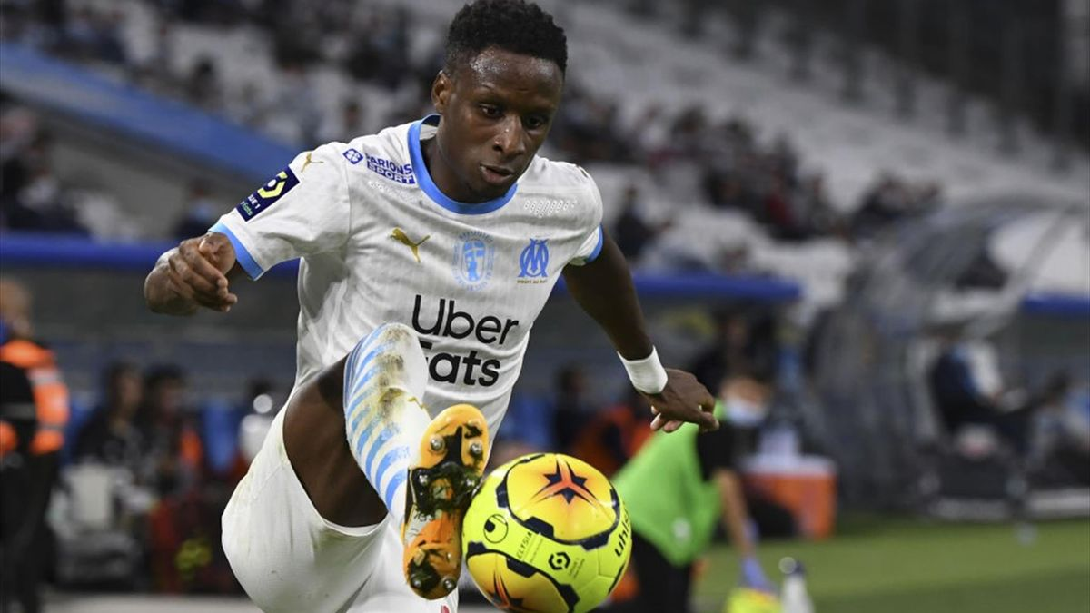 Marseille's French defender Bouna Sarr controls the ball during the French L1 football match between Marseille (OM) and Lille (LOSC), at the Velodrome stadium in Marseille, southeastern France, on September 20, 2020