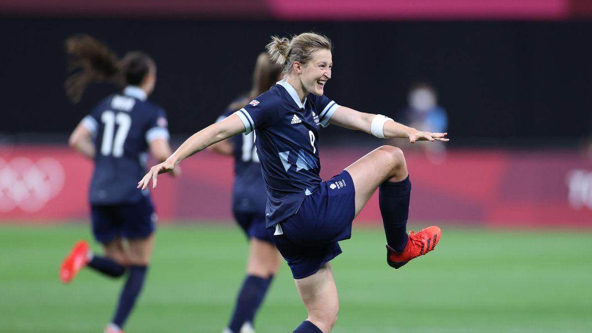 Tokyo 2020 - Ellen White doubles Team GB lead against Chile
