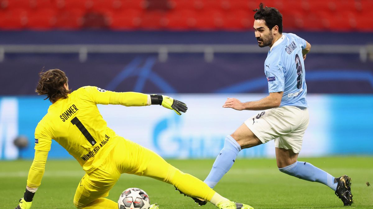 Ilkay Gündogan überwindet Yann Sommer - Manchester City vs. Borussia Mönchengladbach