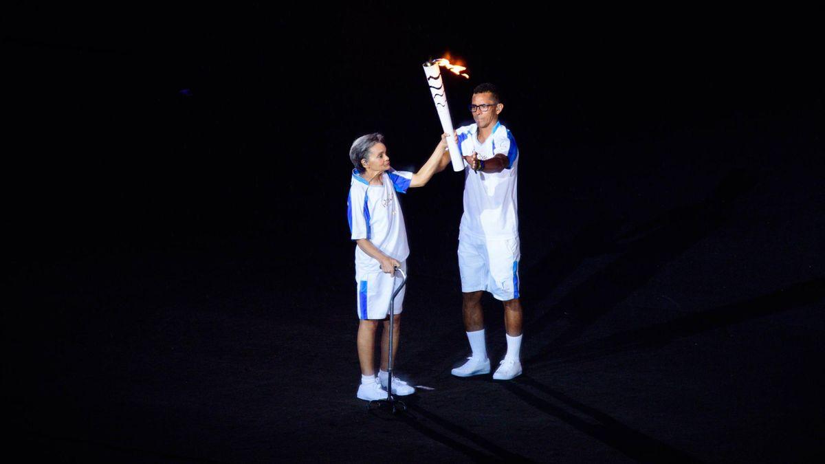 Fackelträgerin Marcia Malsar stürzte bei der Eröffnungsfeier der Paralympics