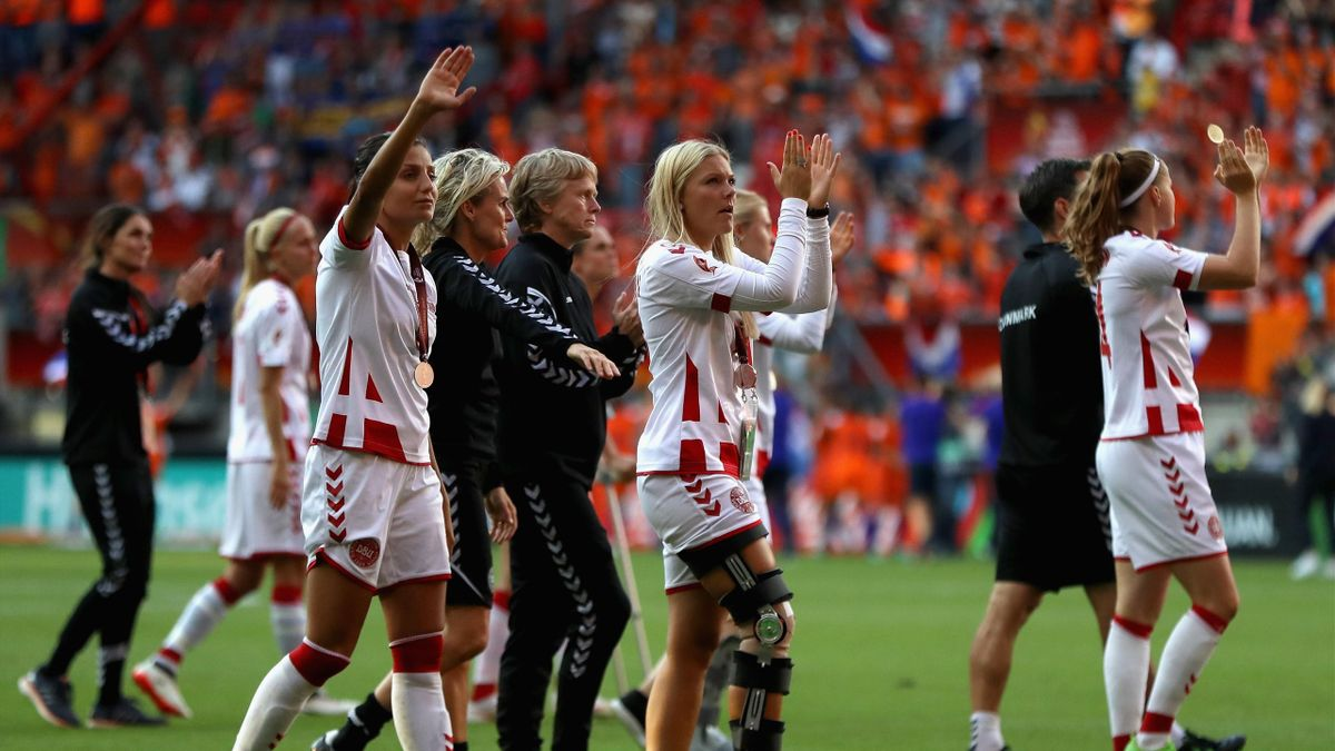Denmark players look dejected following the Final of the UEFA Women's Euro 2017 between Netherlands v Denmark at FC Twente Stadium on August 6, 2017 in Enschede, Netherlands.