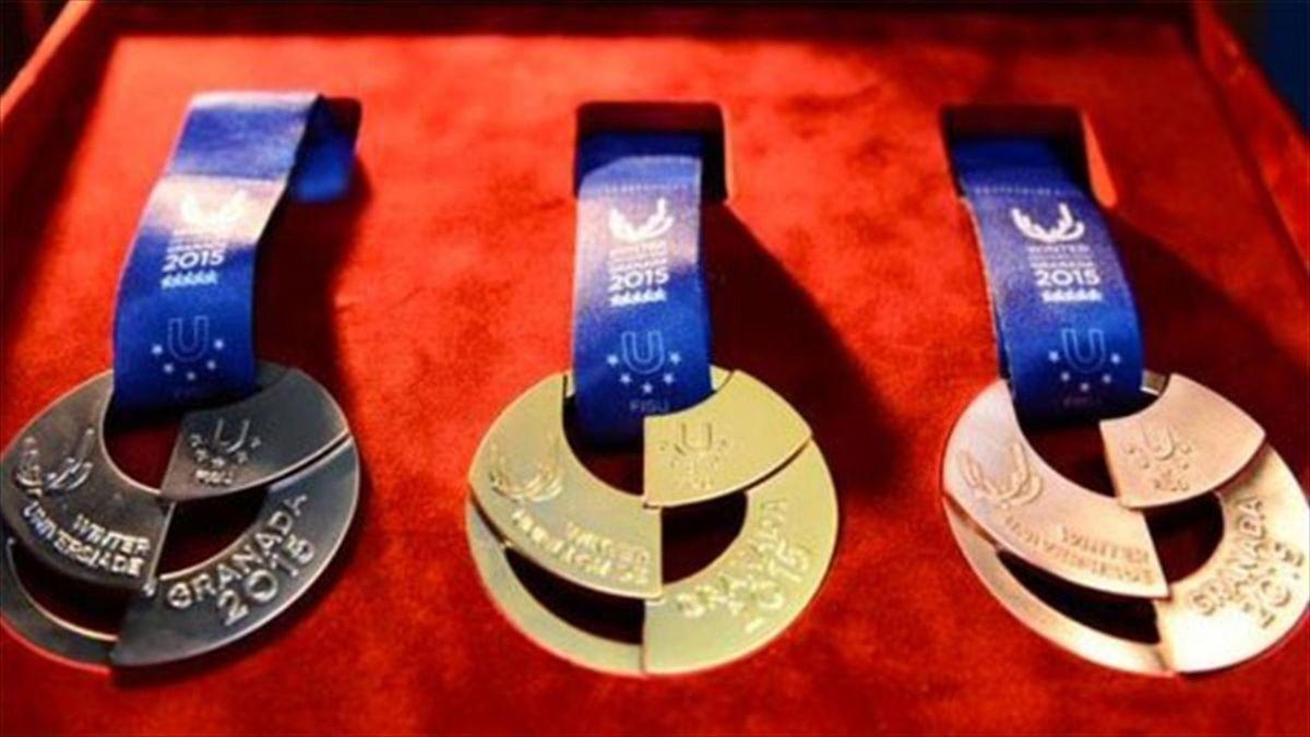 Granada presenta sus medallas de la 27ª Universiada de Invierno
