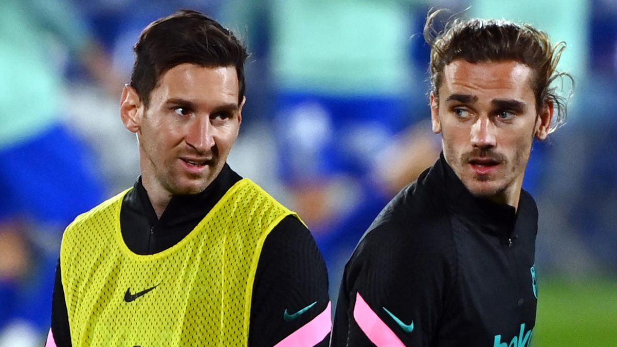 Lionel Messi (L) and Antoine Griezmann (R)