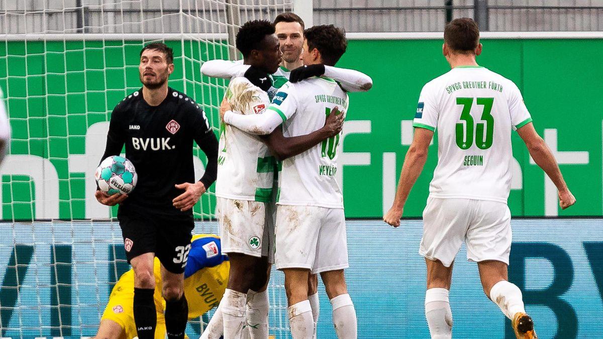 Greuther Fürth jubelt über den Heimsieg gegen die Würzburger Kickers