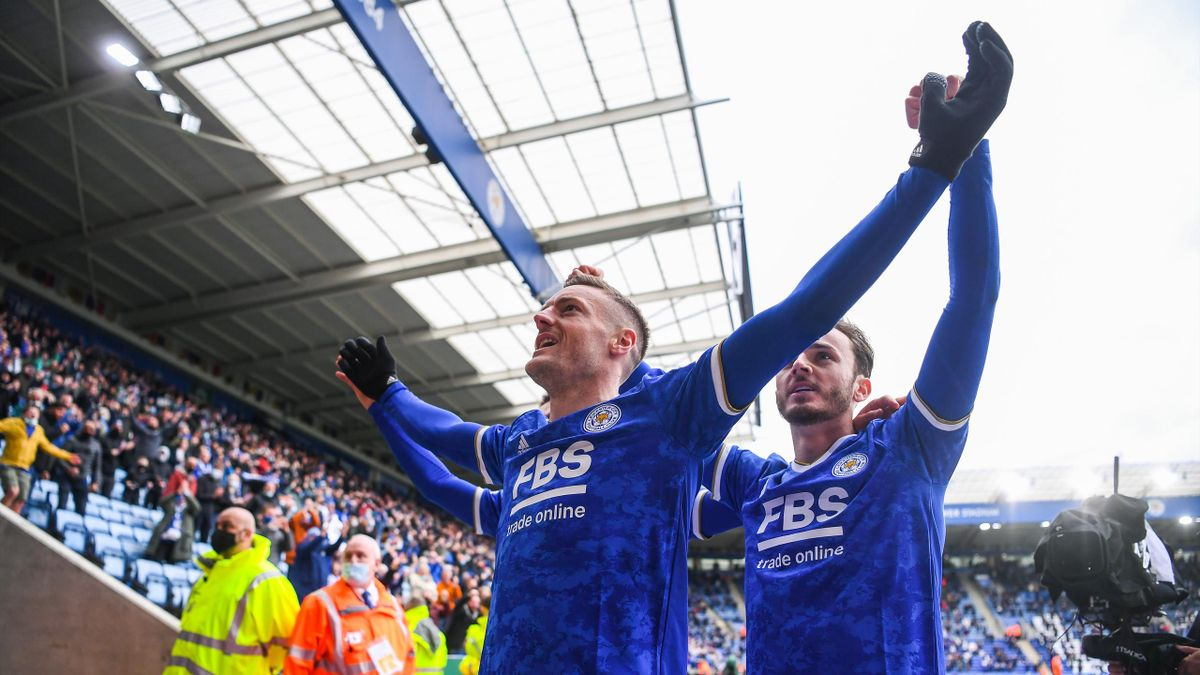 LEICESTER, ENGLAND - MAY 23: Jamie Vardy of Leicester City celebrates with teammate James Maddison and the Leicester City fans after scoring his team's second goal during the Premier League match between Leicester City and Tottenham Hotspur at The King Po