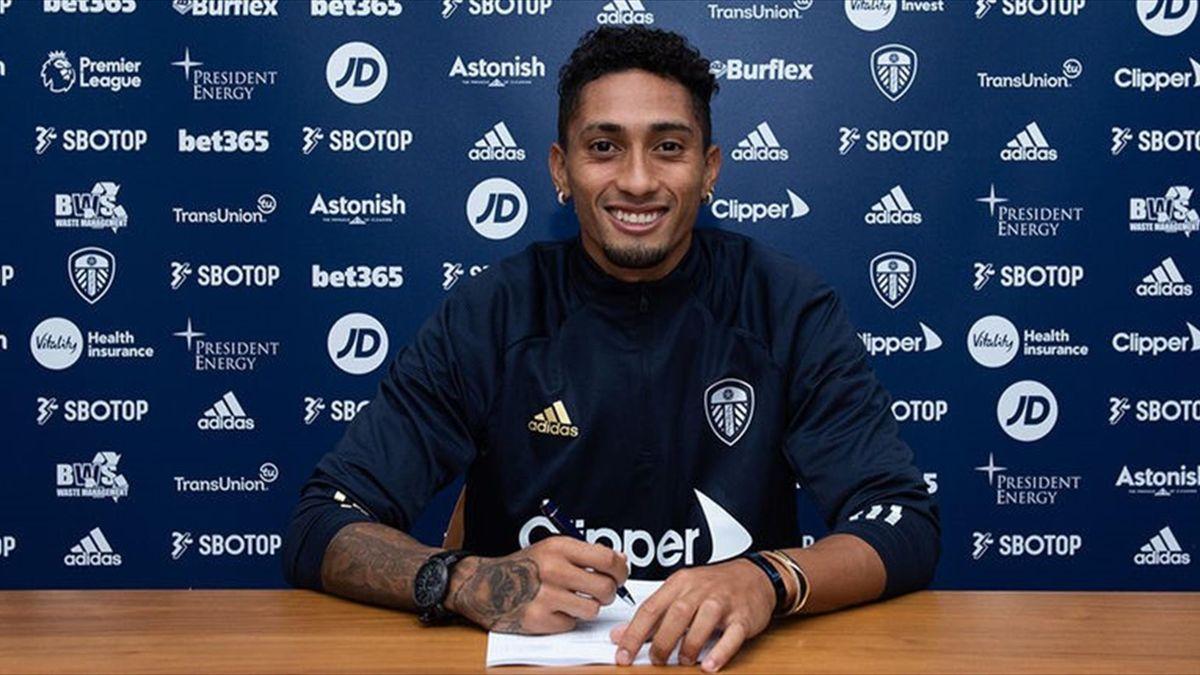 Raphinha a semnat cu Leeds (sursă foto: siteul oficial al grupării engleze)