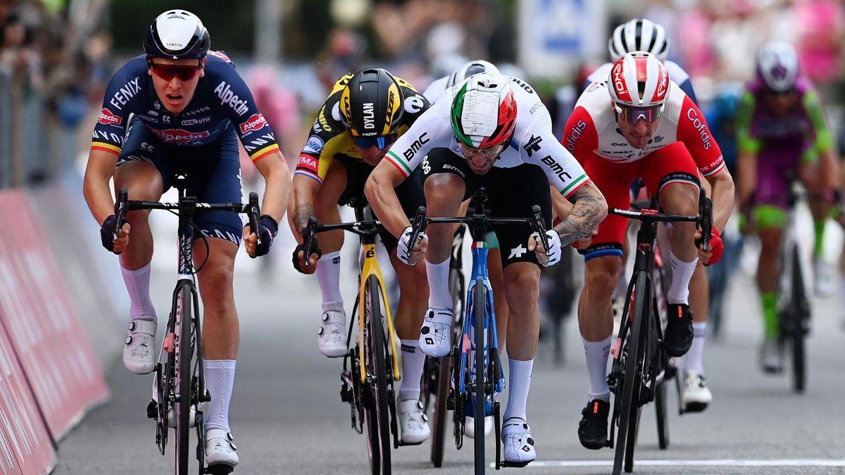 Merlier, Viviani e Nizzolo nella volata di Novara - Giro d'Italia 2021