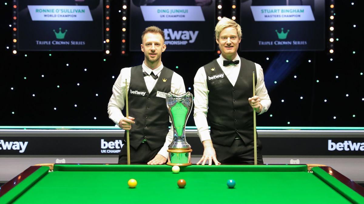 Judd Trump and Neil Robertson before the start of the UK Championship final (World Snooker)