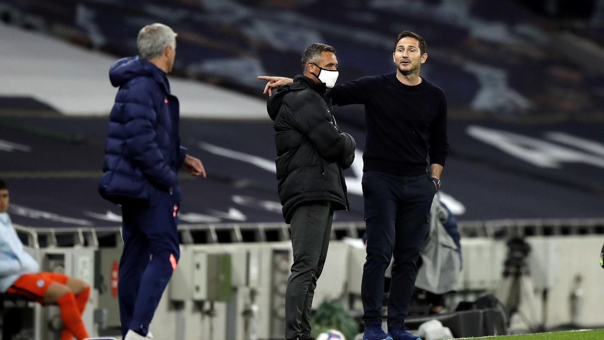 Frank Lampard, Manager of Chelsea speaks with Jose Mourinho, Manager of Tottenham Hotspur during the Carabao Cup fourth round match between Tottenham Hotspur and Chelsea at Tottenham Hotspur Stadium on September 29, 2020 in London, England
